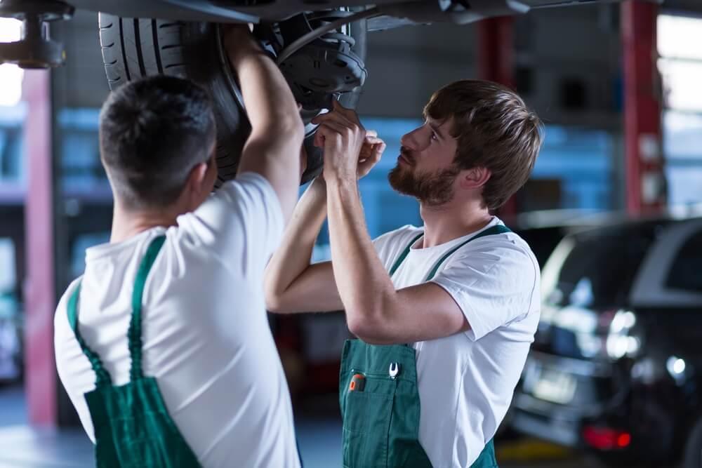 jeune-employes-salarie-travailleur-tms-prevention